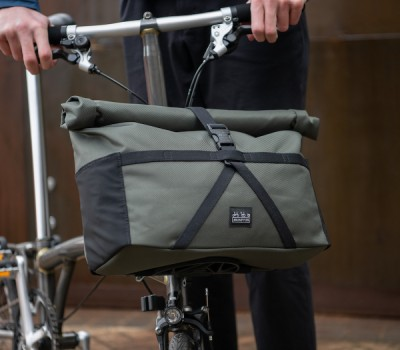 Brompton Borough Roll Top Bag Medium in Olive